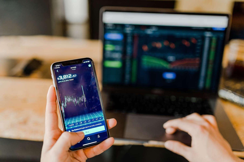 Share Trader vs Share Investor.